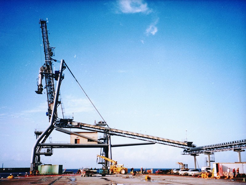 Ship to Shore Load/Offload in Tasmania (Remote Crane Control)